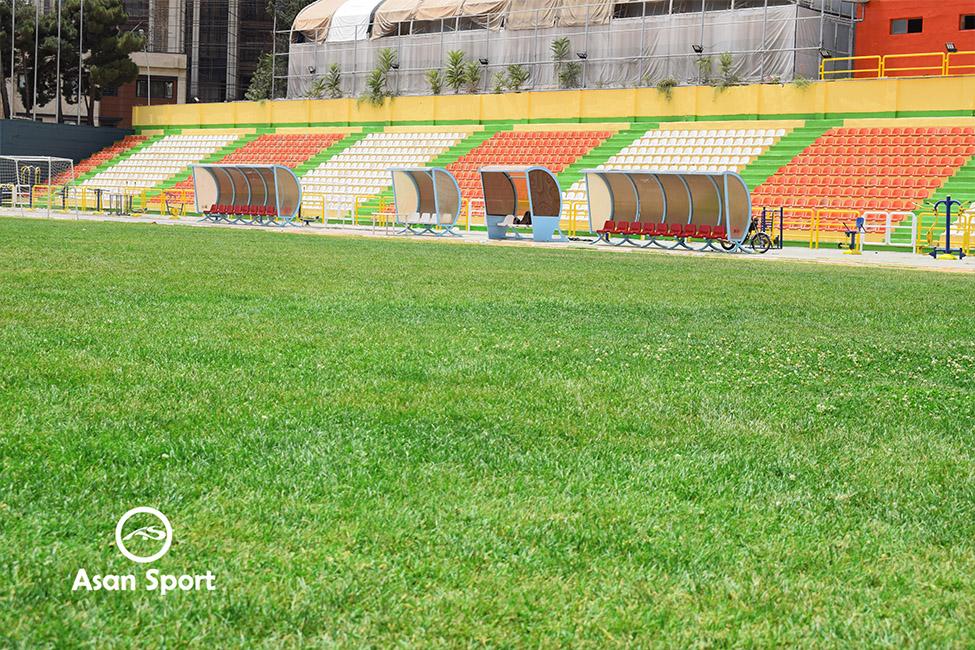 نمای چمن و جایگاه تماشاگران چمن طبیعی دانشگاه شهید بهشتی edit low