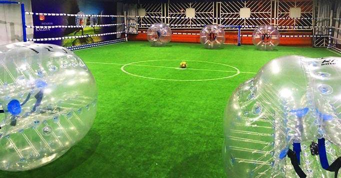 زمین فوتبال حبابی